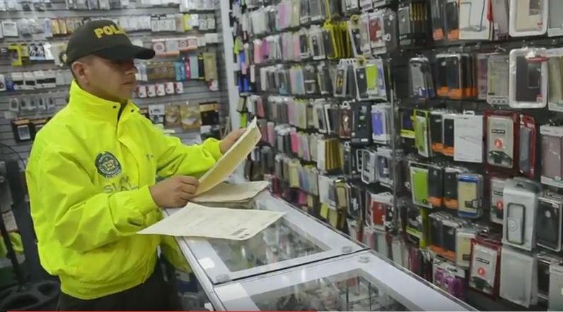 11 mil celulares incautados en redada internacional