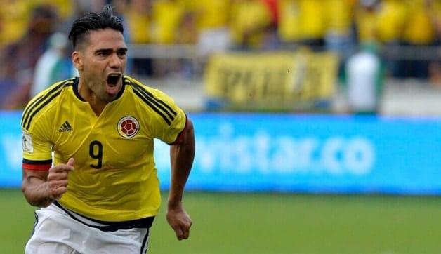 Video muestra a Falcao convenciendo a peruanos de cerrar el empate