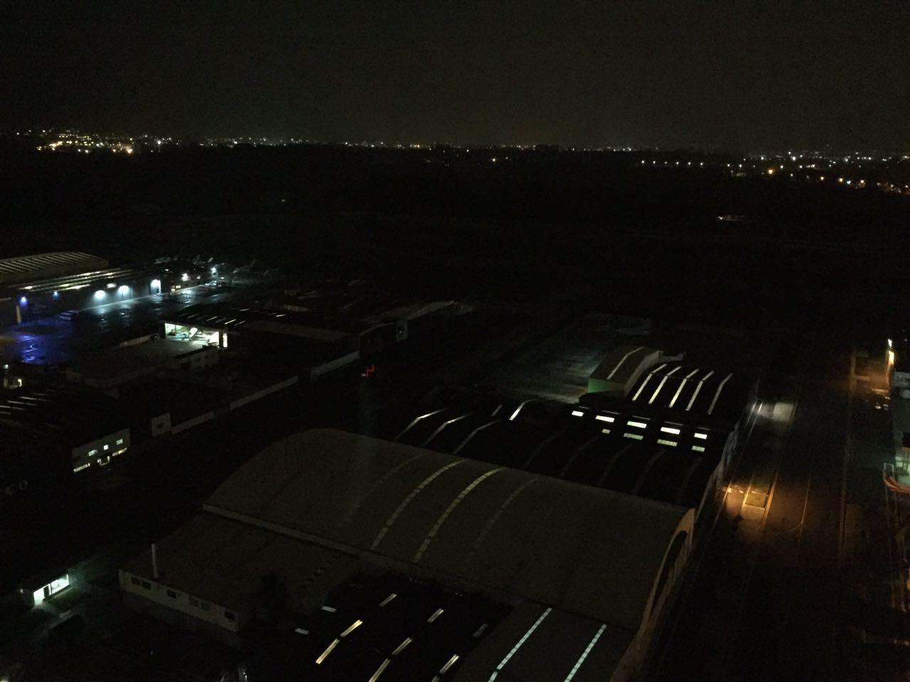 Pista de aterrizaje del aeropuerto El Dorado se quedó sin luces