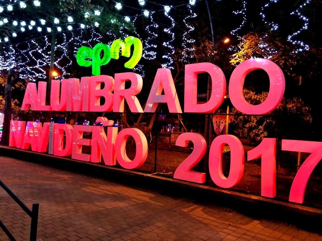 Medellín celebra los 50 años de su alumbrado navideño