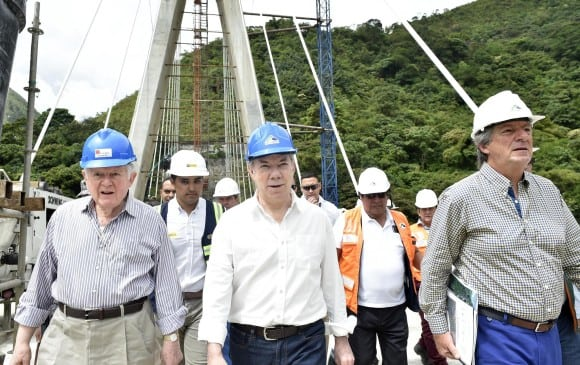 Siete muertos por desplome de puente en Colombia